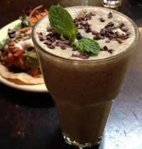 The Tastiest Vegan Mint Chocolate Shake