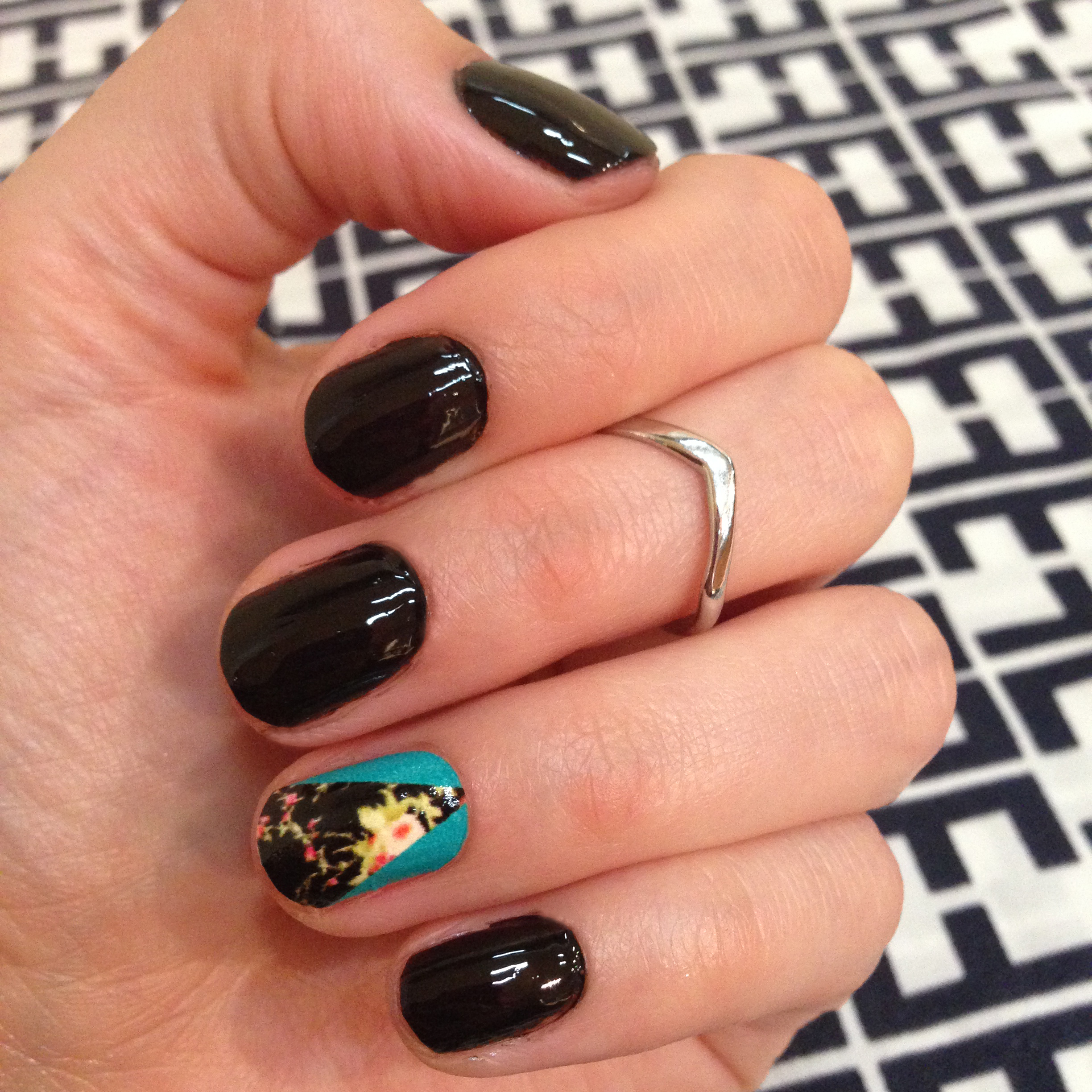 manicure monday mineral fusion obsidian