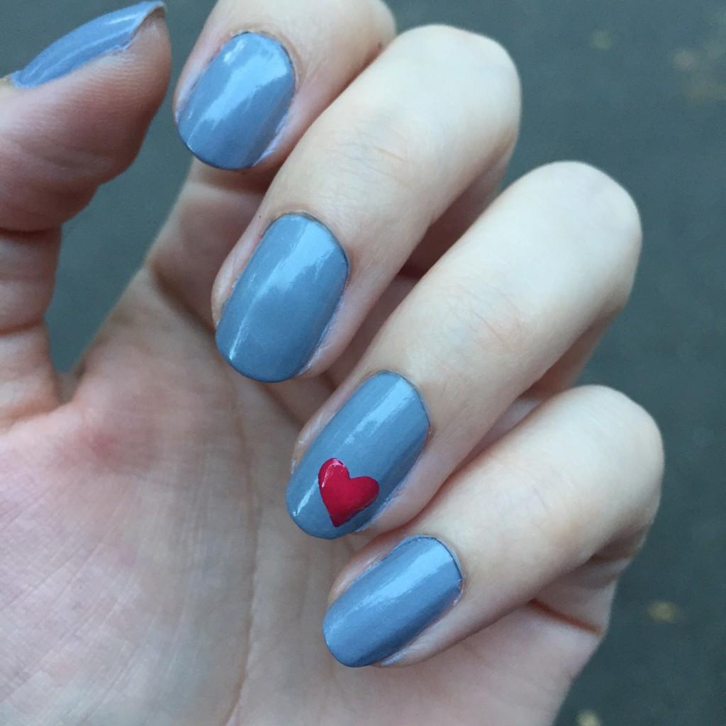 lvx heart nails