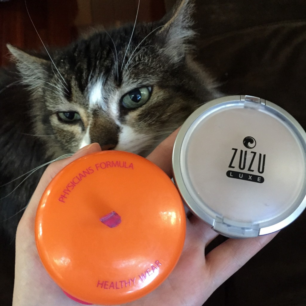 Zuzu Luxe powder foundatio