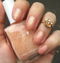 Nails of the Day: 100% Pure's 'Wedding'