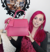 What's In My Vegan Purse [VIDEO]