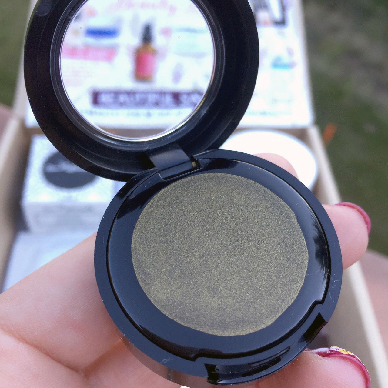 Au Naturale Organic Creme Eyeshadow in Addiction