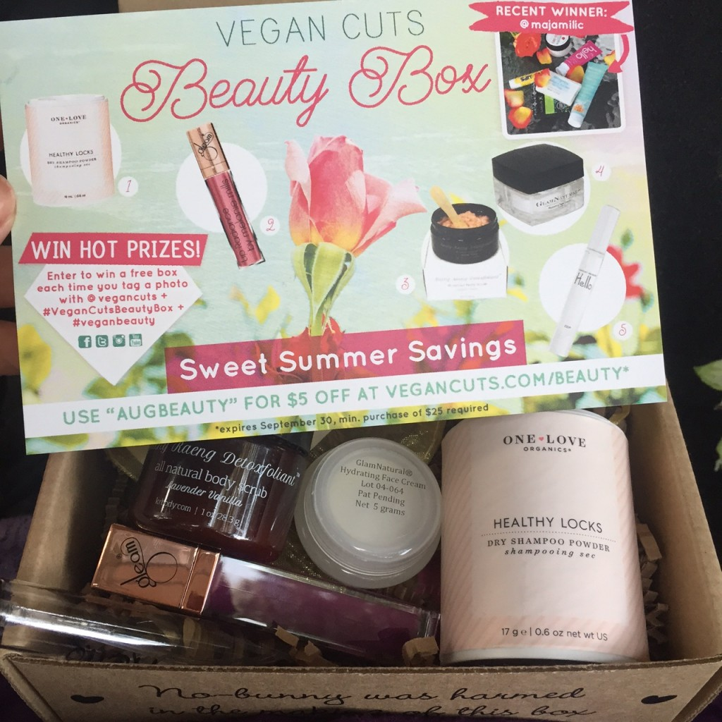 august 2015 vegan cuts beauty box review vegan beauty review vegan and cruelty free beauty. Black Bedroom Furniture Sets. Home Design Ideas