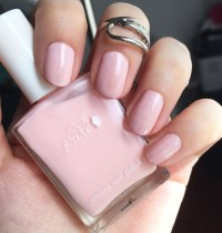 Nails of the Day: 100% Pure's 'Innocence'