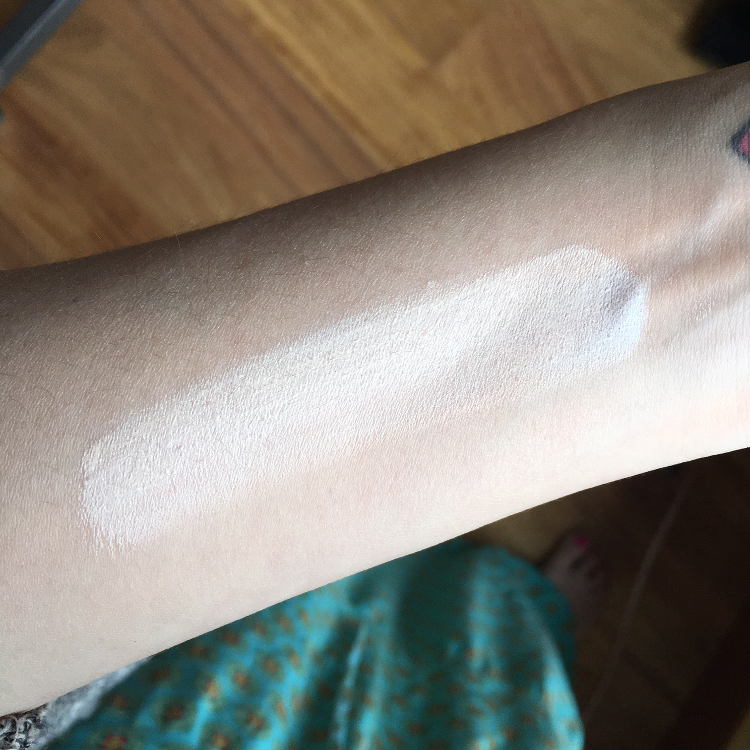 Josie Maran serum foundation swatch