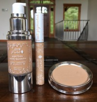 100% Pure Foundation & Concealer Review