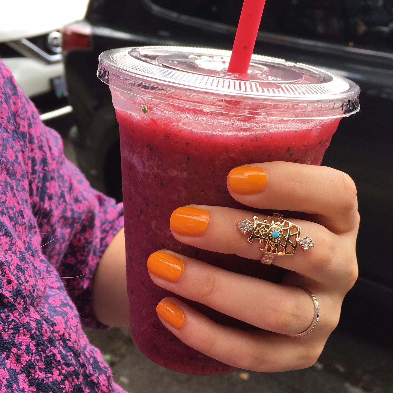 LVX Saffron manicure