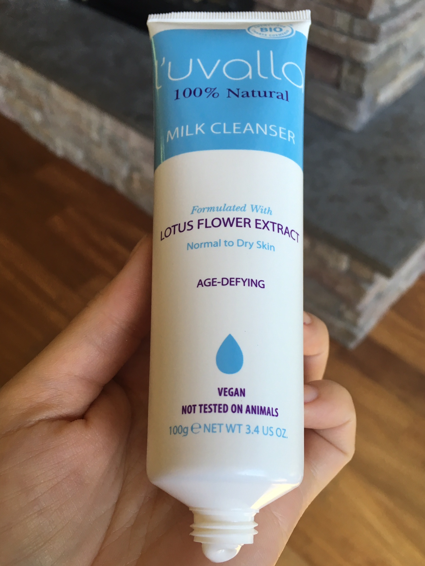 luvalla milk cleanser
