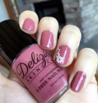 Nails of the Day: Delizioso 'Black Currant'