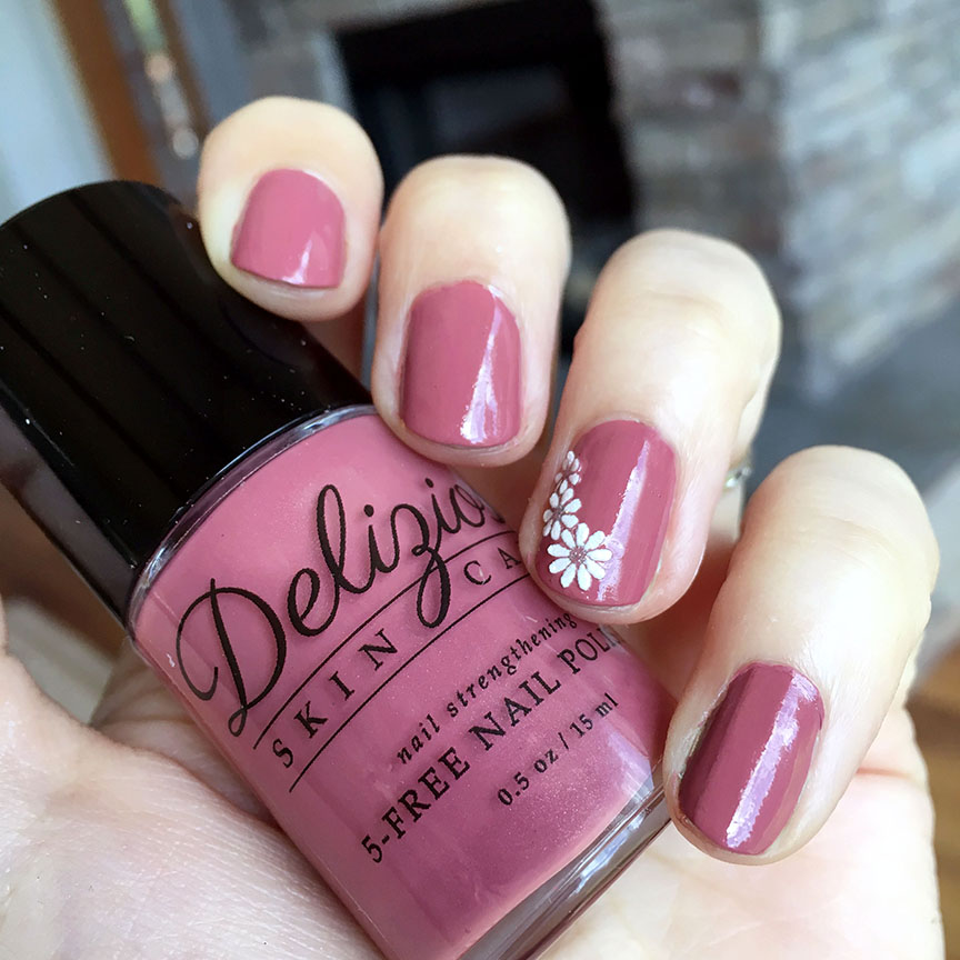 Delizioso Black Currant nail polish