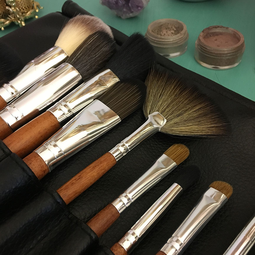 Vanity planet brush set