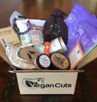 Vegan Cuts Yoga Box Is Now Available – Peep the Goodies!