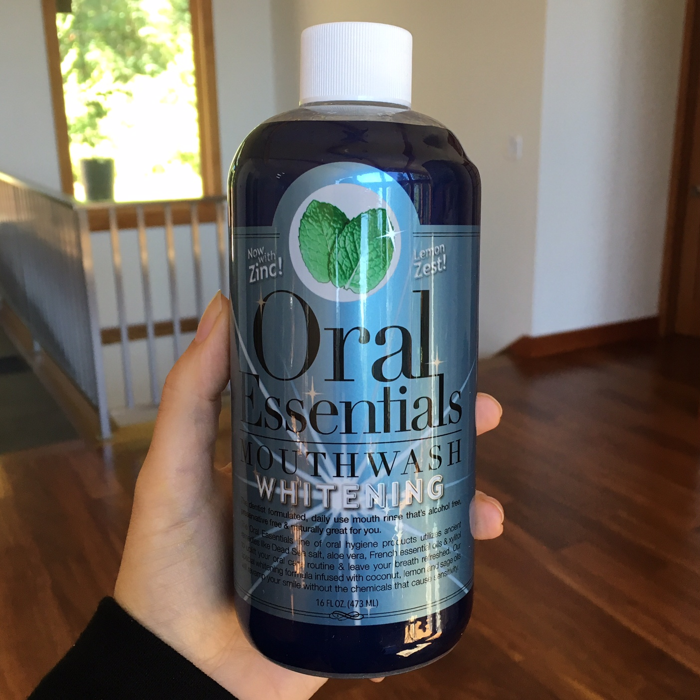 teeth-whitening-mouthwash-for-sensitive-teeth