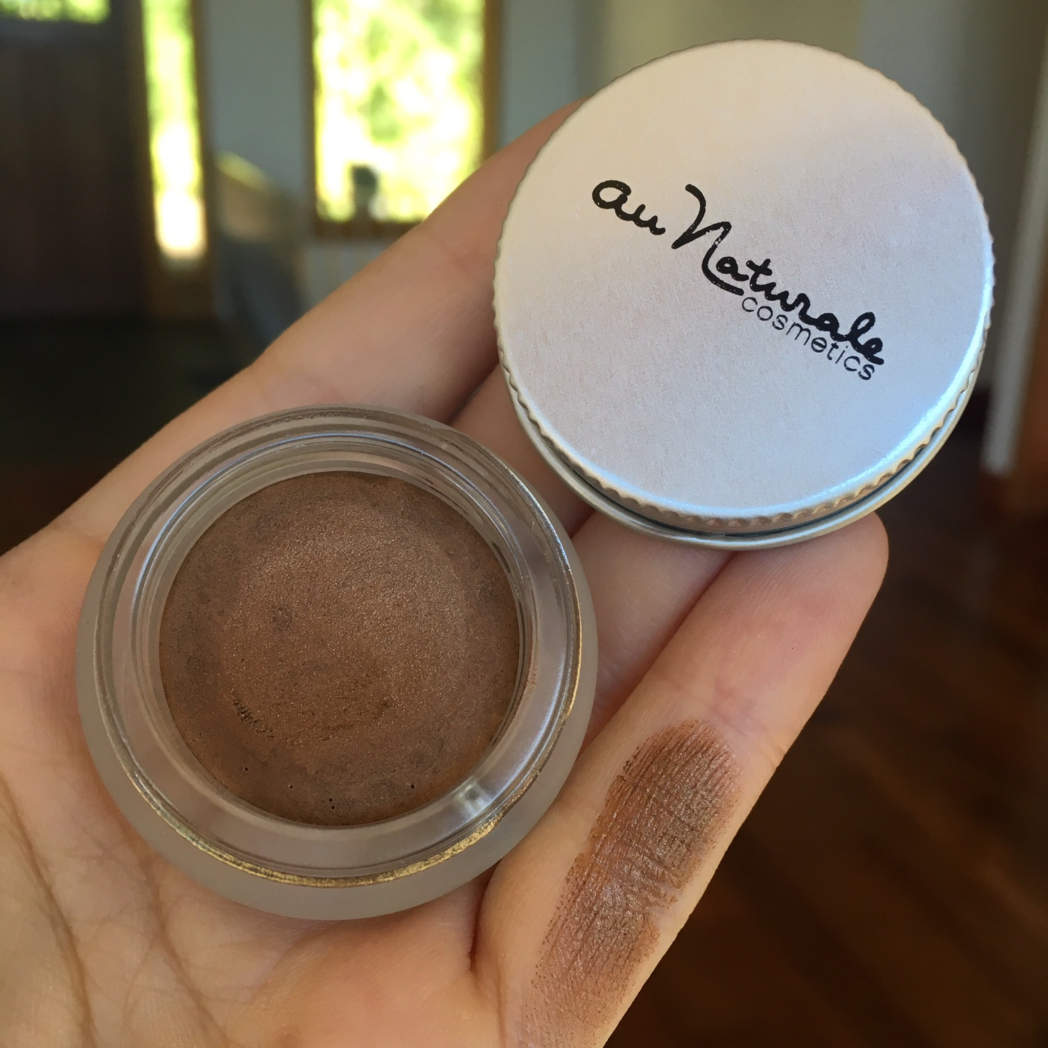 au-naturale-creme-eye-shadow