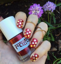 Nails of the Day: Raga Varnish in 'Garnet'