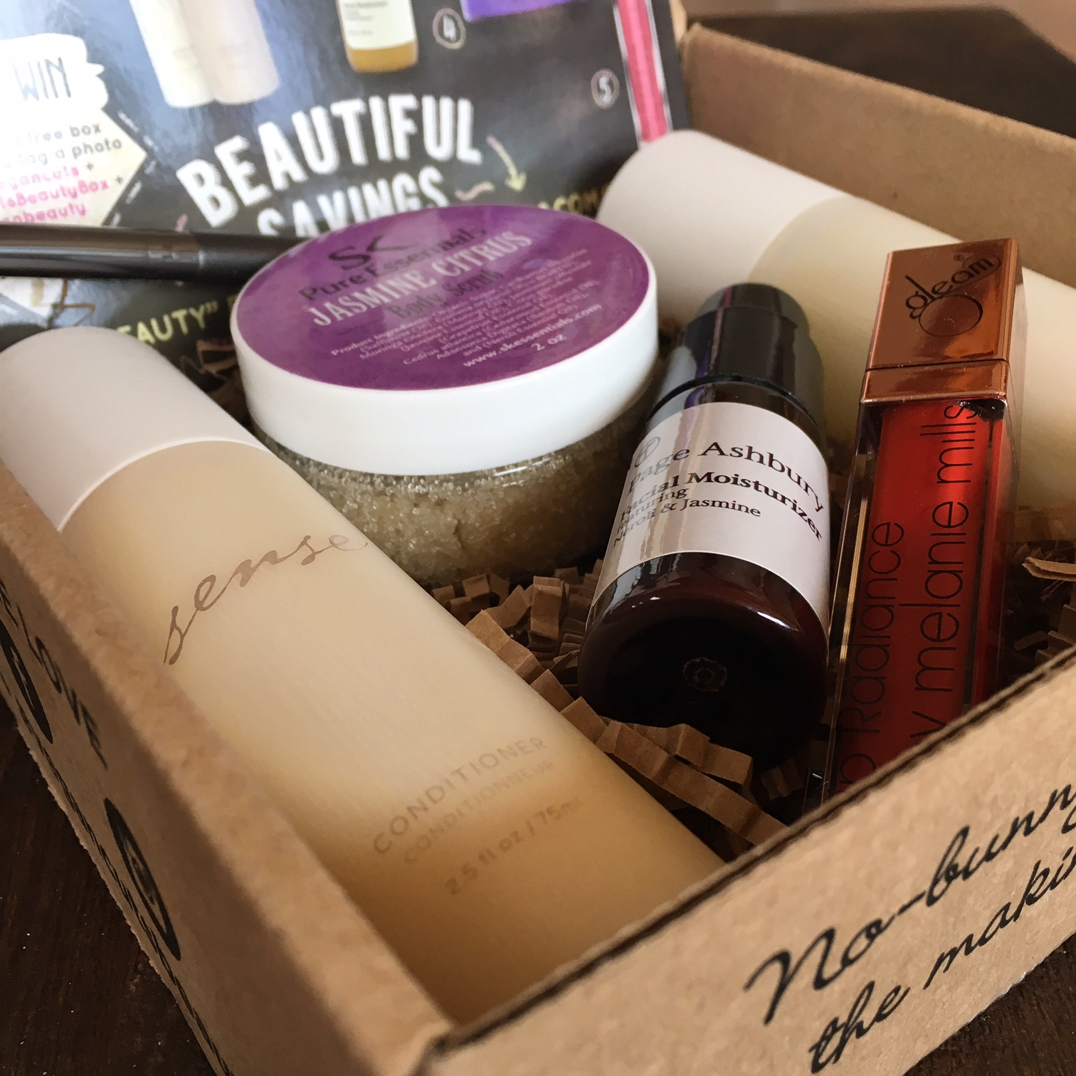 september 2016 vegan cuts beauty box review vegan beauty review vegan and cruelty free. Black Bedroom Furniture Sets. Home Design Ideas