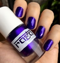 Nails of the Day: Raga Varnish in Amethyst