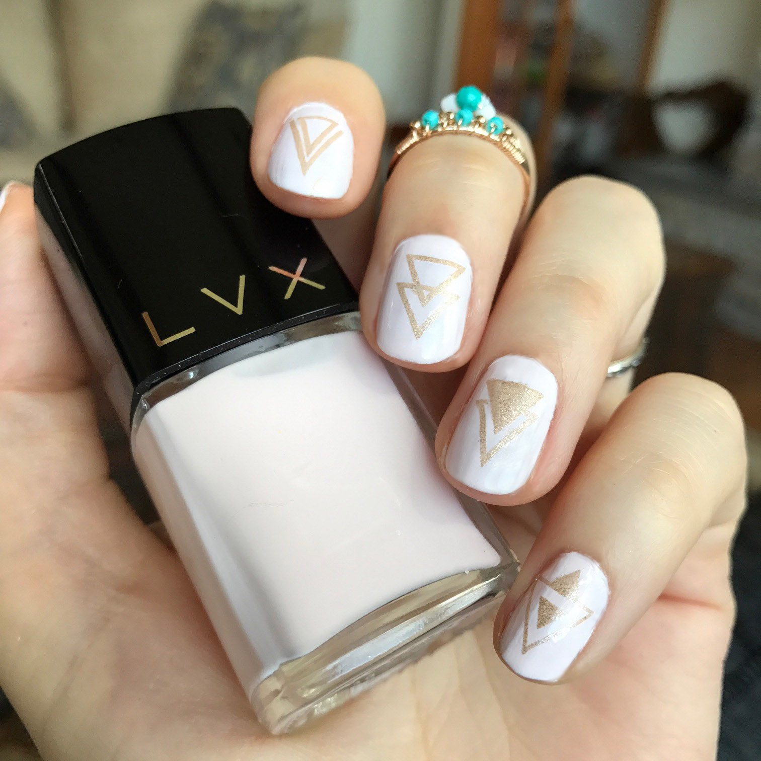 LVX Coquillage nail polish