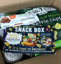 September 2017 Vegan Cuts Snack Box Review
