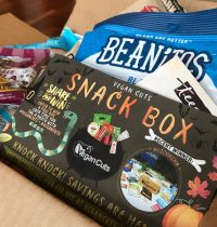 October 2017 Vegan Cuts Snack Box Review